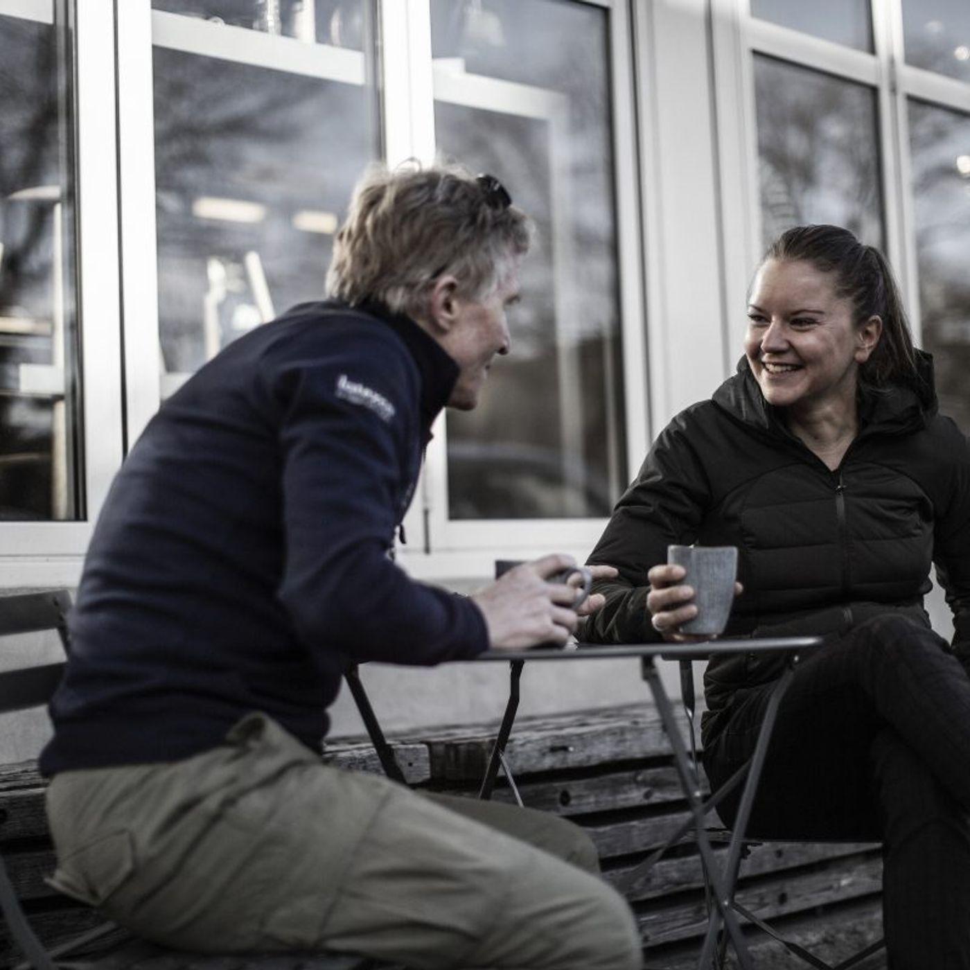 """'Radio Godefroot' med cykelrytter Trine Schmidt giver Brian Holm kamp til stregen: """"Det er sjovt med kyssepiger. Men kan vi ikke også få nog"""