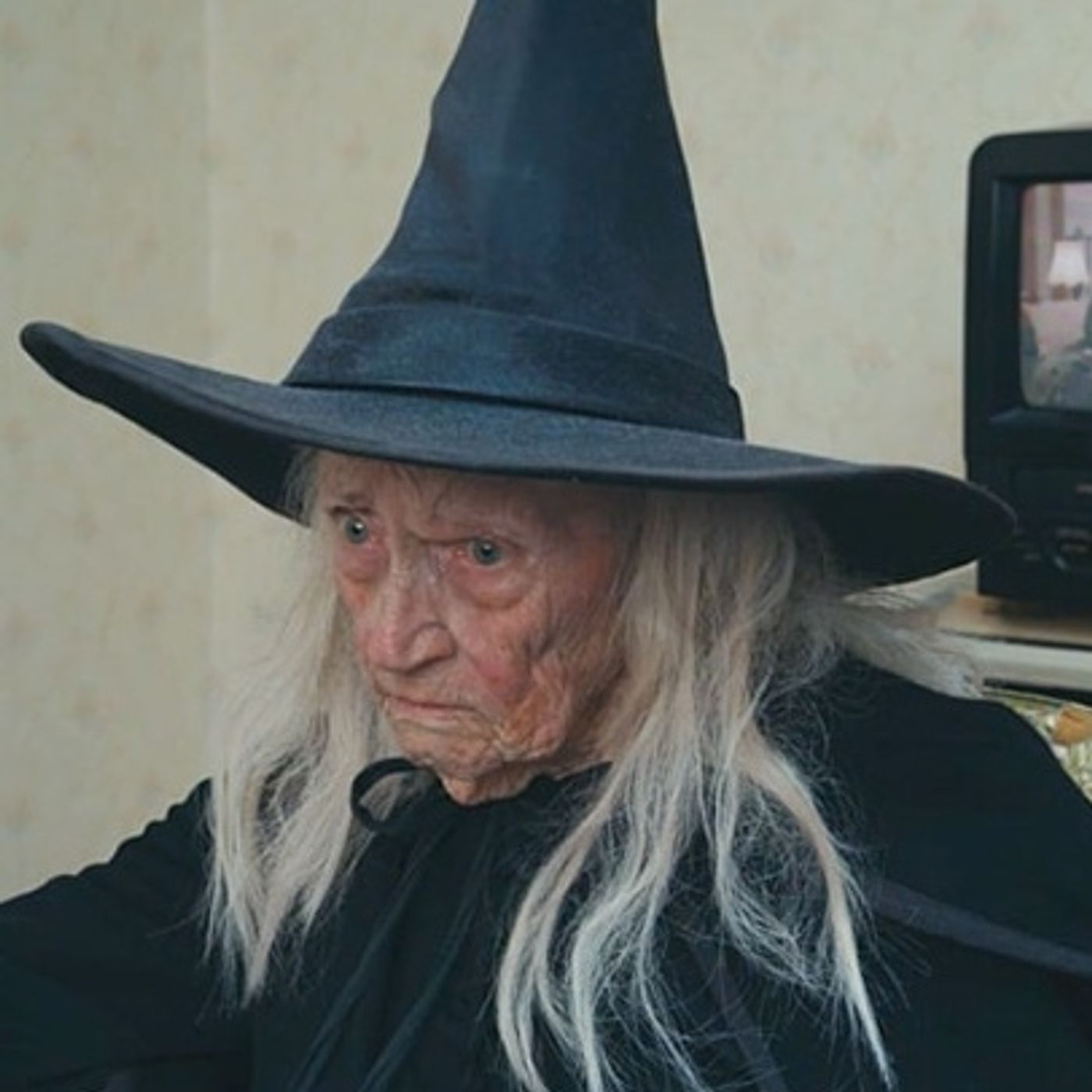 The Curse of a Dying Witch