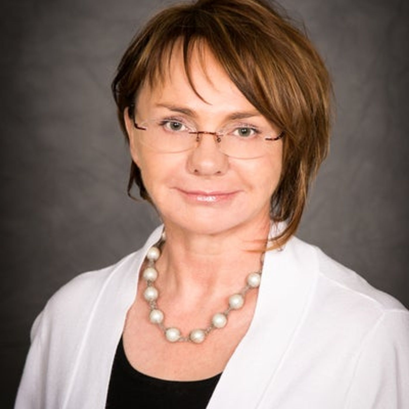Founder/CEO of Visage Laser and Skin Care  Dr. Katarzyna Tesmer is my very special guest!