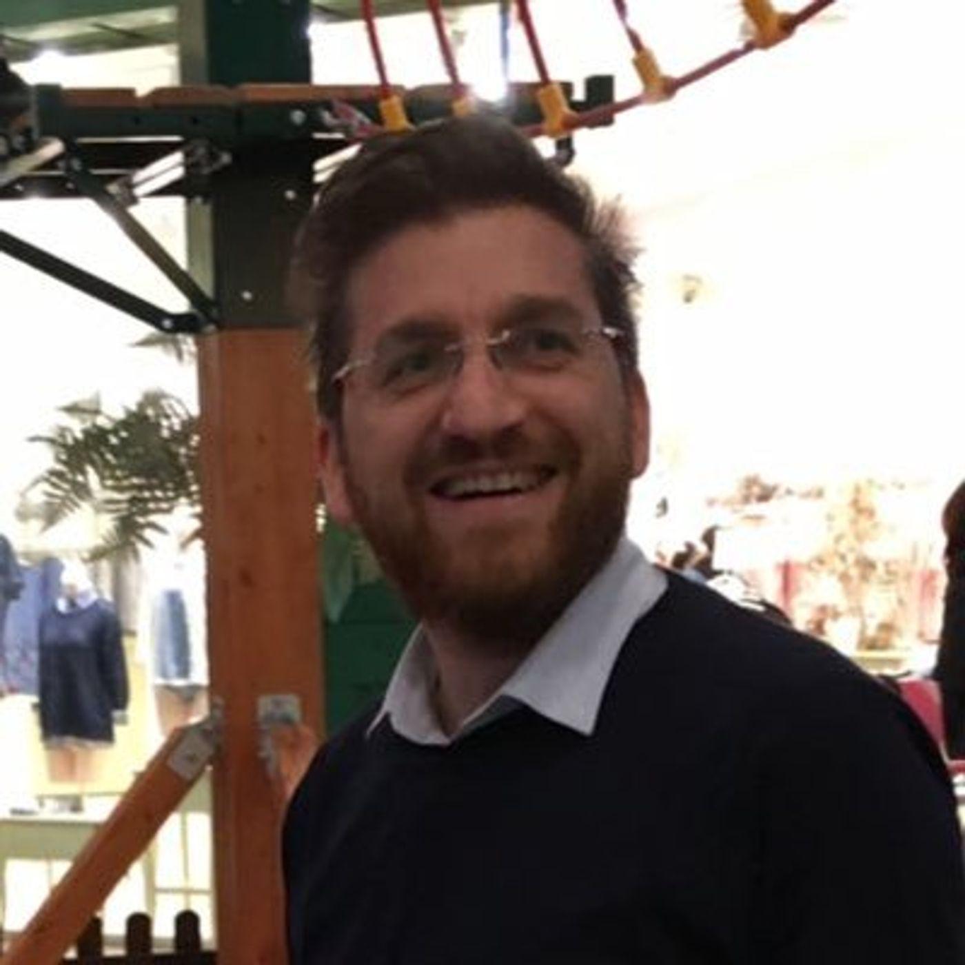 #93 I sintomi della dipendenza dalla tecnologia: intervista a Liborio Placenza