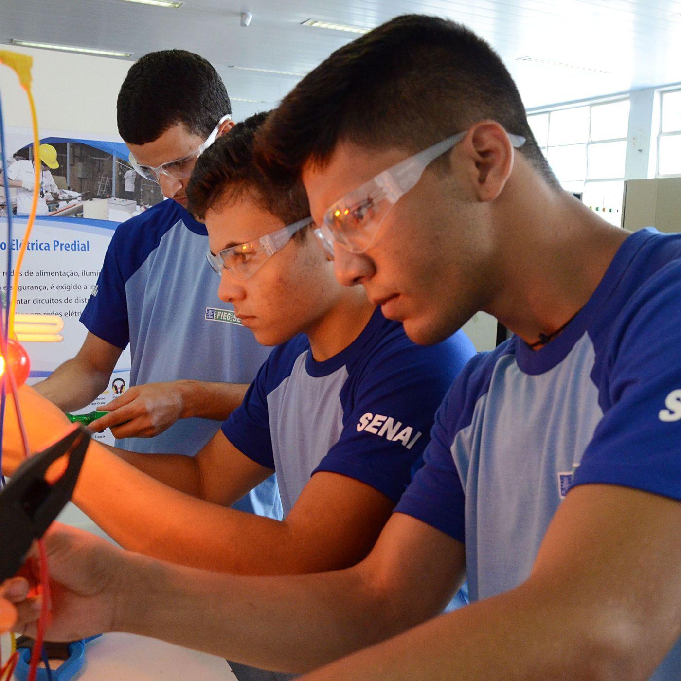 Jovens Buscam Qualificação Com O Intuito De Preencher Vagas Ociosas No Mercado De Trabalho Goiano