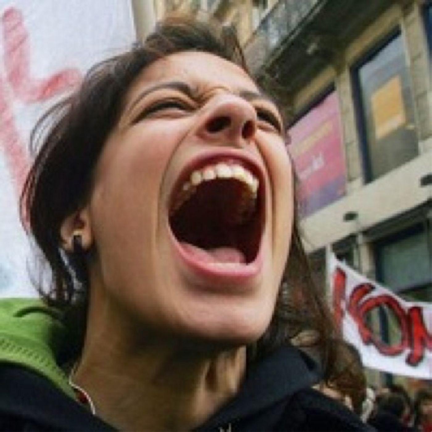 Permesse le manifestazioni per l'8 marzo vietate le processioni per la Settimana Santa
