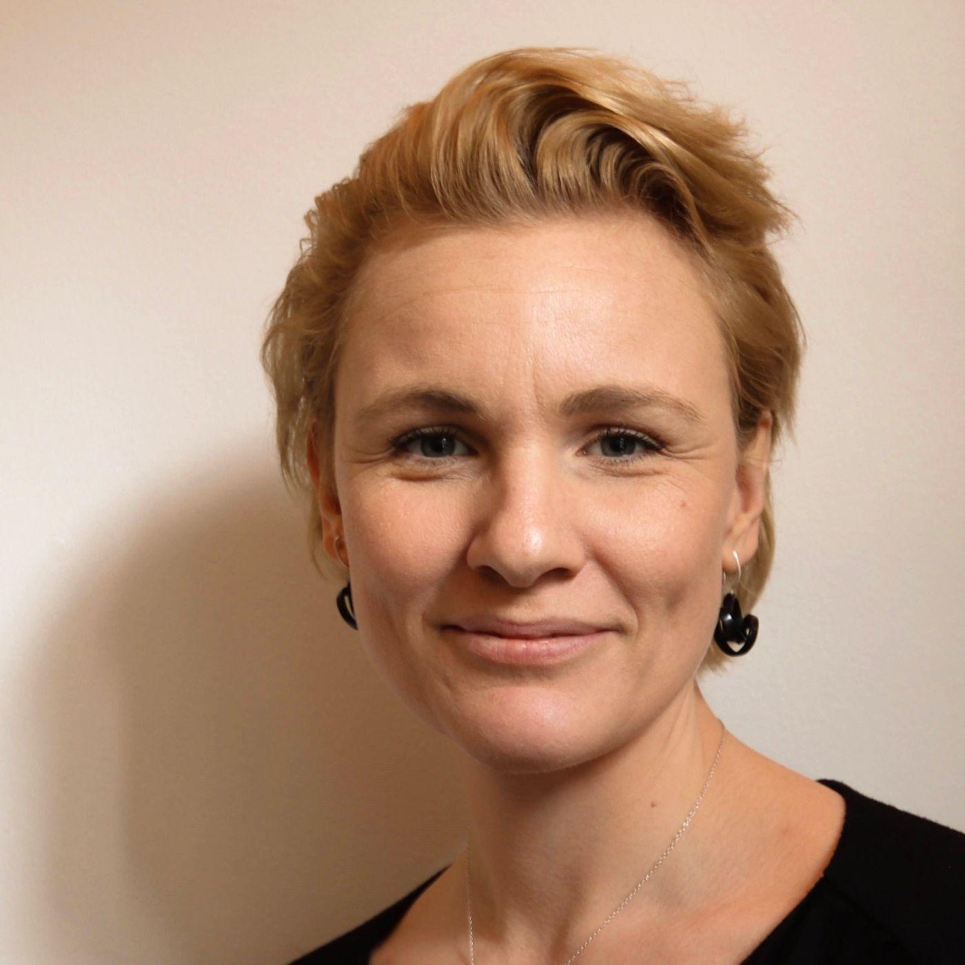 39, del 2: Psykoterapeutisk integration af psykedeliske oplevelser - Med Rebecca Russell