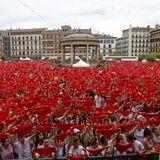 """Españoleando """" Musiqueando en la Tarde del domingo, Música española en el recuerdo, Felicidades Portugal, Viva San Fermín"""