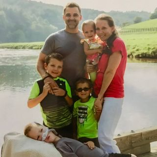 Dad to Dad 64 - Shane Lee, father of 5 children, 3 diagnosed with SMA including Jocelyn, who sadly passed away at age 4 1/2