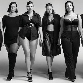 Milano, alla fashion week le modelle curvy