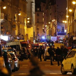 The World Responds to ISIS Attacks in Paris