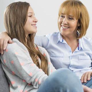 ¿Cómo debo comunicarme con mi hijo adolescente?