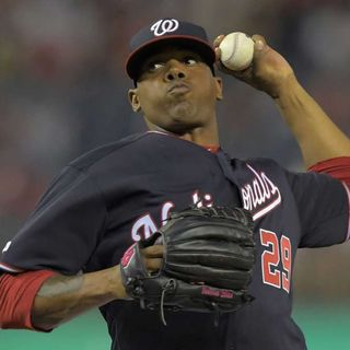 ROENIS ELIAS, lanzador cubano de los campeones WASHINGTON NATIONALS