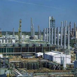 AMLO evalúa hoy, refinería de Salamanca