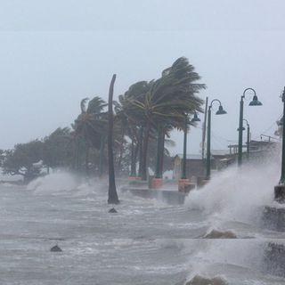 Genevieve se degradó a huracán categoría 1