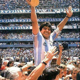 Y se nos fue Diego Sin Avisar Sin saludar En silencio -Homenaje-Mensajes a Diego A. Maradona