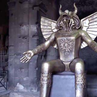 The Vatican Places Giant Statue of Molech at Colosseum Entrance