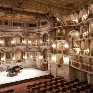 Il Teatro Bibiena, dove Mozart si esibì per la prima volta in Italia