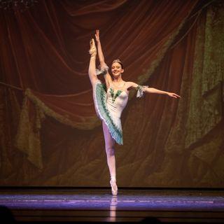 Anna danza a San Pietroburgo: il gran balzo sulle punte da Thiene alla Russia