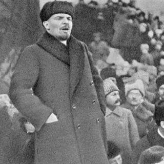 19 - 1917-2017 Lenin: intervista ad una mummia