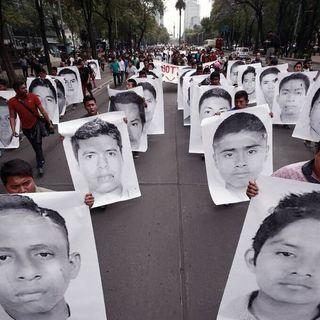 Obrador se reúne con padres de 43 normalistas