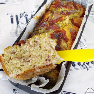 Cafe Bleu intervista 2 Amiche in Cucina. La ricetta del Plum cake salato carciofini, prosciutto e semi di papavero