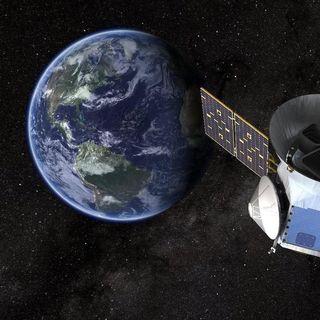 Lo spazio si avvicina alla Terra
