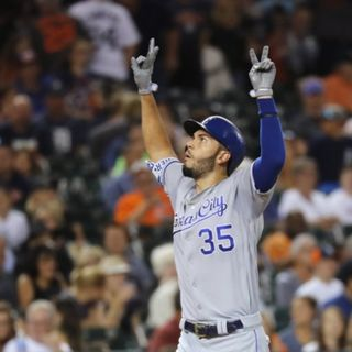 Eric Hosmer signs with the Padres!