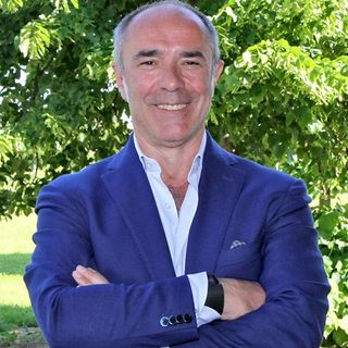 Rozzano, il sindaco Ferretti evita il suicidio di un folle: «Tragedia scongiurata»