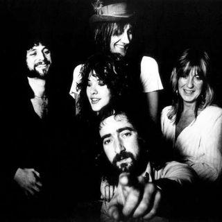 aquele podcast #1244 #FleetwoodMac #stayhome #wearamask #thefalcon #wintersoldier #f9 #wonderwoman #twd #mayansfx