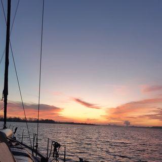 S2E8 - Jul til søs