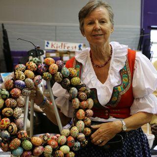 Pysanky - Ukrainian Easter Eggs - Nicole Holcombe on Big Blend Radio