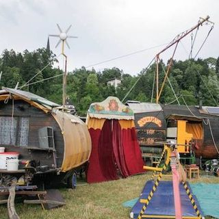 6 carri e 8 cavalli: arriva a Lago Film Fest il Circo Soluna!