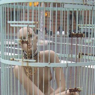 Servi del lusso, gli schiavi del Made in Italy (di Lorenzo Attianese)