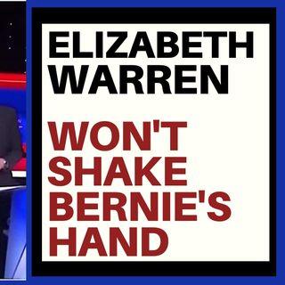 ELIZABETH WARREN REFUSES HANDSHAKE WITH BERNIE!