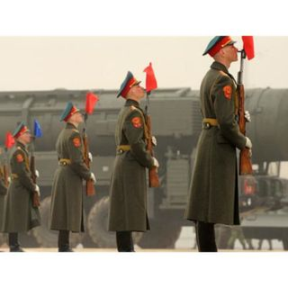 Episode 293: Russia and the Nuclear Shadow: 2015's Revivals with Tom Nichols