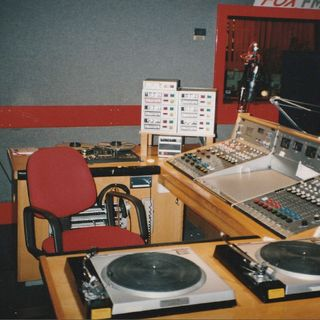 Fox FM 1991 News Review
