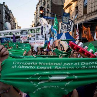 """Argentina promulga la ley del aborto para ampliar la """"capacidad de decidir"""""""