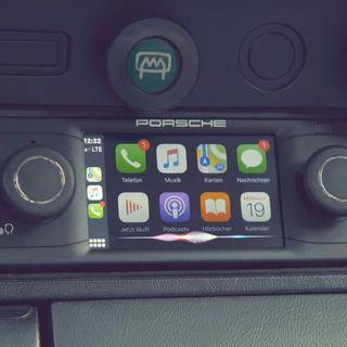 Perché gli smartphone alla guida sono illegali e gli schermi touch no?
