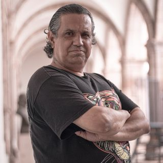 Literatura - 32 - Selección de Tomás Rico Cano y Homero Aridjis. En voz de Ernesto Hernández