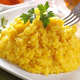 Il risotto allo zafferano: emblema della cucina meneghina in Italia e nel mondo