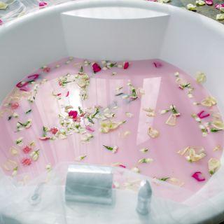 22 de septiembre – Baño de rosas para encender la chispa del amor