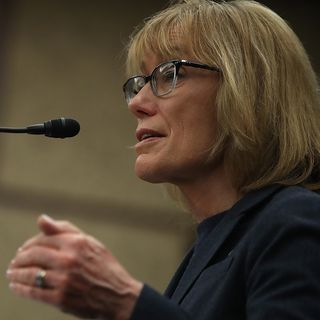 Sen. Hassan: Hold Pharma Industry Accountable For Opioid Crisis