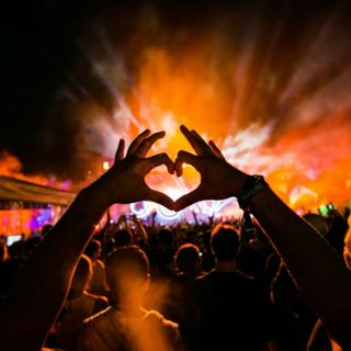 Dundee LA Project Future Acid House vs EDM Afrojack Oliver Heldens Tujamo Hardwell