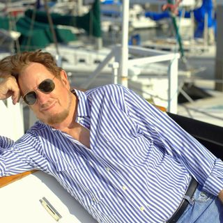 """California attorney/banker/author Davis MacDonald talks about his latest book """"The Cruise"""" !"""