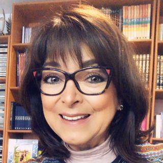 La Dra. Rosa Argentina Rivas Lacayo hablando sobre la desesperación.