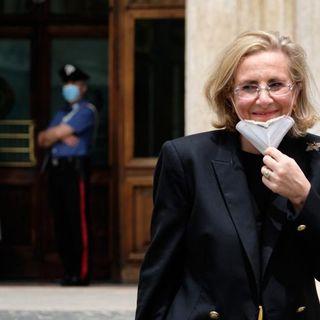 Lucia Calvosa: la presidente Eni, scelta dai 5Stelle, ha speso 206 mila euro tra alberghi e viaggi