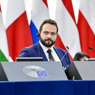 """Fabio Massimo Castaldo: """"Il M5S vorrà essere l'ago della bilancia nel Parlamento UE"""""""