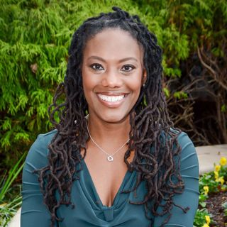 Pt.2 With Intuitive LaShawn McCrary Talking About Energy Healing