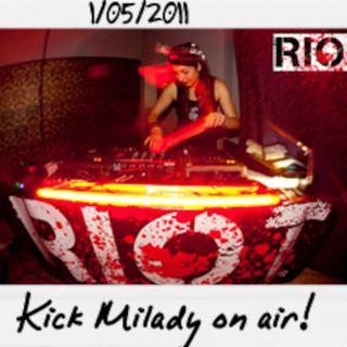 Dance to the radio - Kick Milady aka Chiaretta on air (01.05.2011)