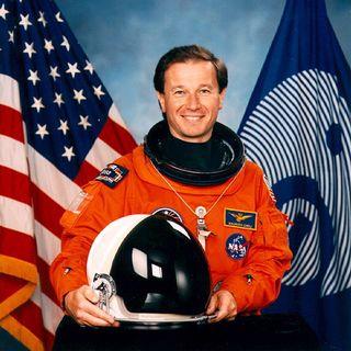 Maurizio Cheli e il lavoro dell'astronauta: «Emozione grandissima»