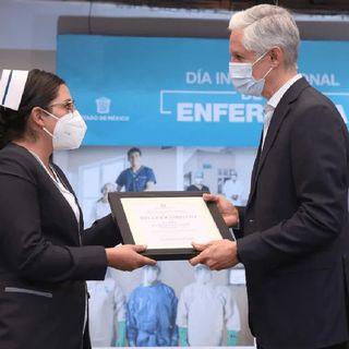 Edomex reconoce labor de enfermeras