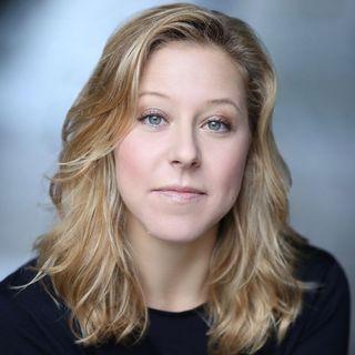 """Cecilia Gragnani presenta la serie podcast """"Expat - Trying to become British"""""""