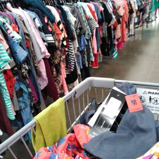 7 Day Podcast: Day #1 - SideThrifting